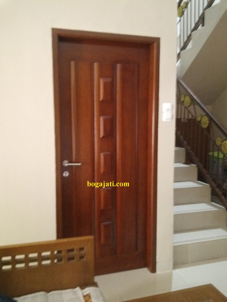 pintu solid merbau oven