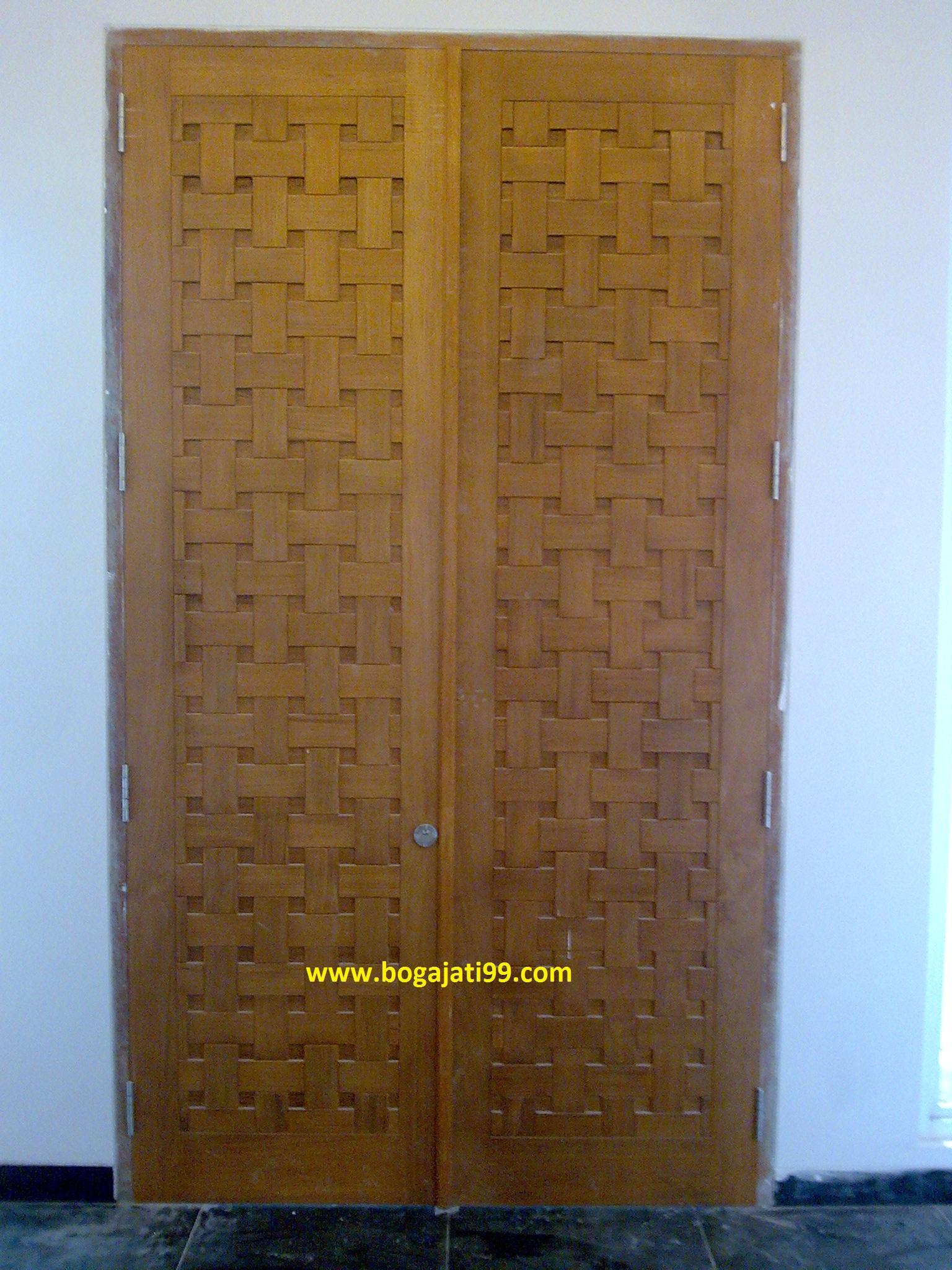 Pintu Motif Kayu Jati