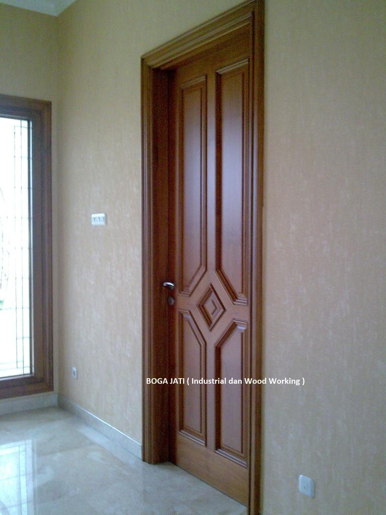 Pintu Kamar Ukiran