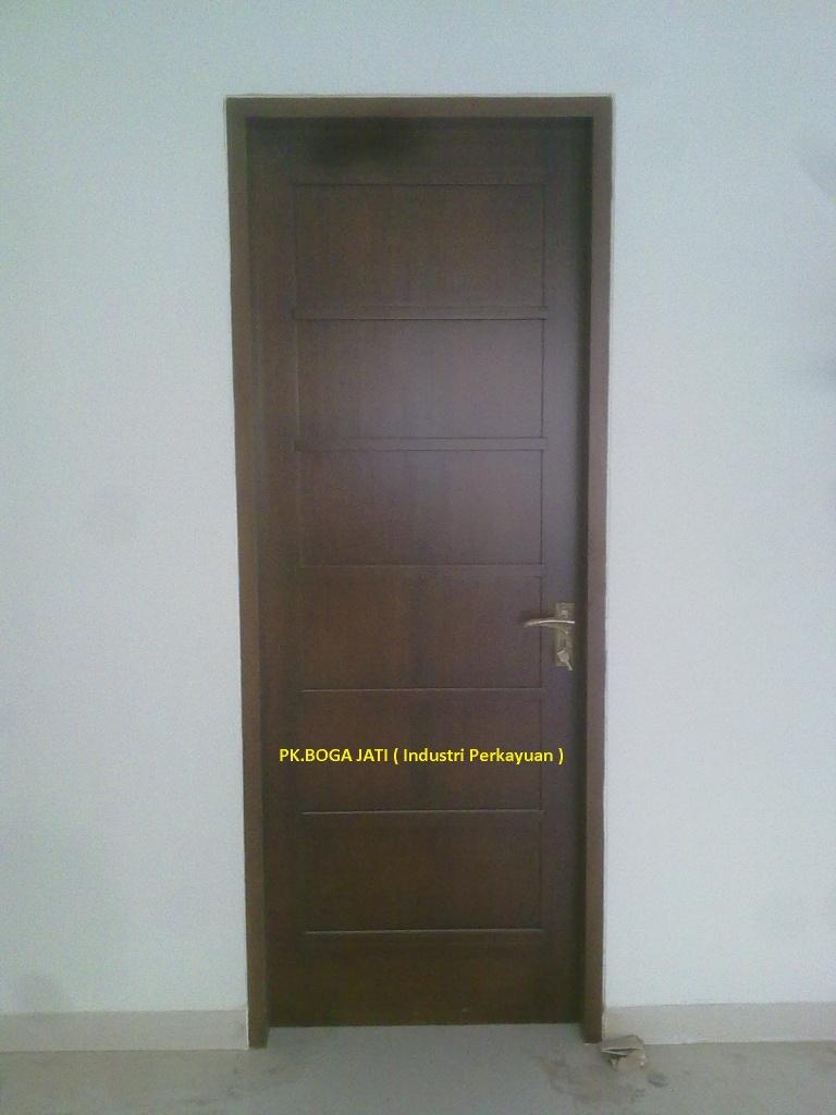 Pintu Kayu Kamper Motif Minimalis
