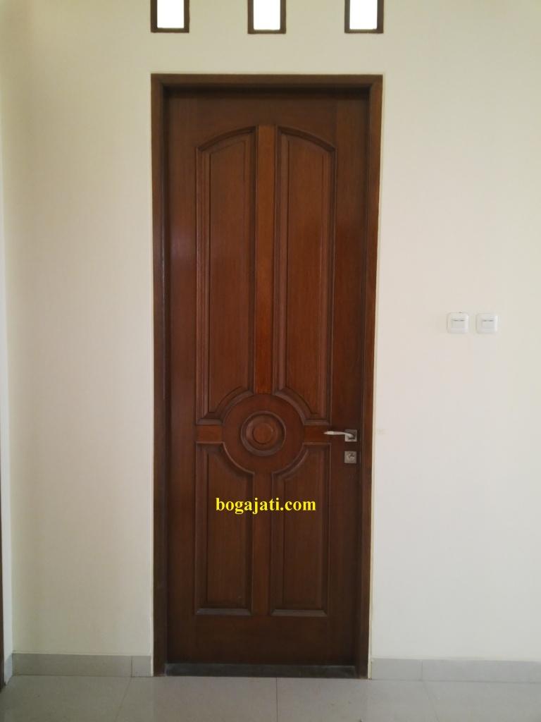 Pintu Motif Klasik