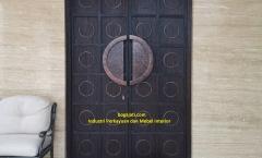 Kusen Pintu Utama Kayu Solid
