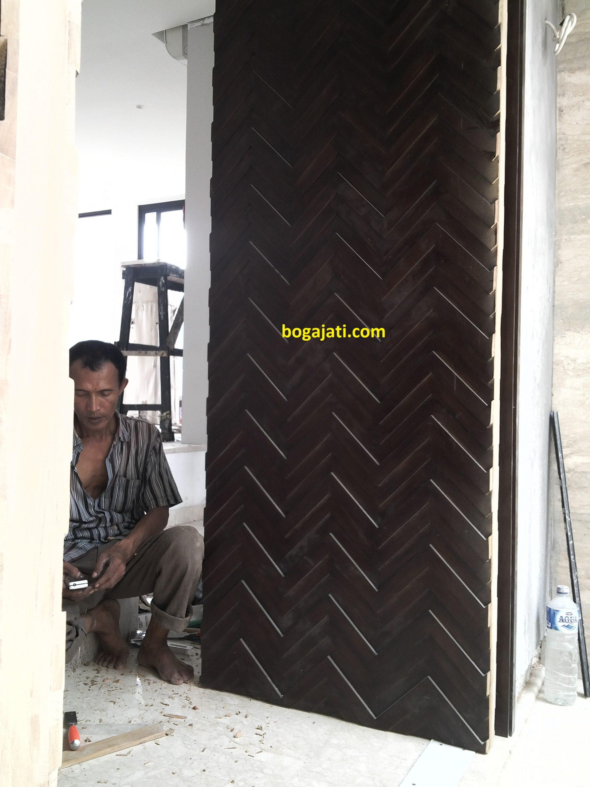 Pintu Utama Kayu Solid Jati