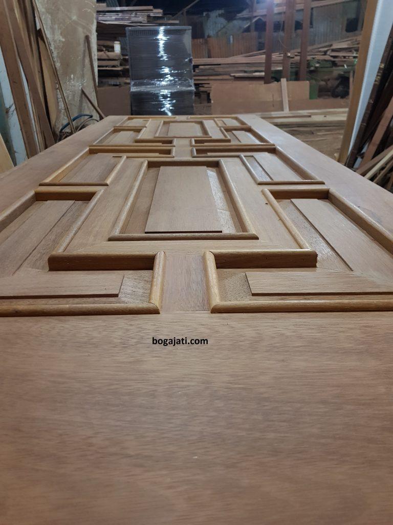Pintu Utama Kayu Solid Merbau